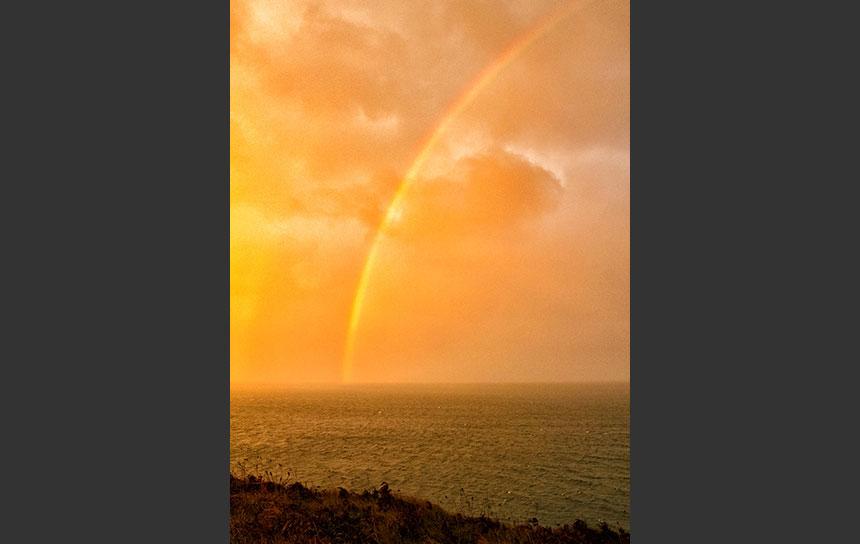 アイルランドの虹と夕焼け