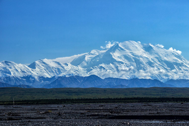 北方の大山脈デナリ・マッキンリー山