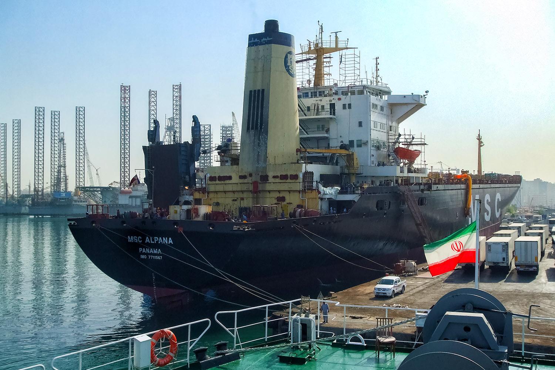 シャルジャの港に停泊する船