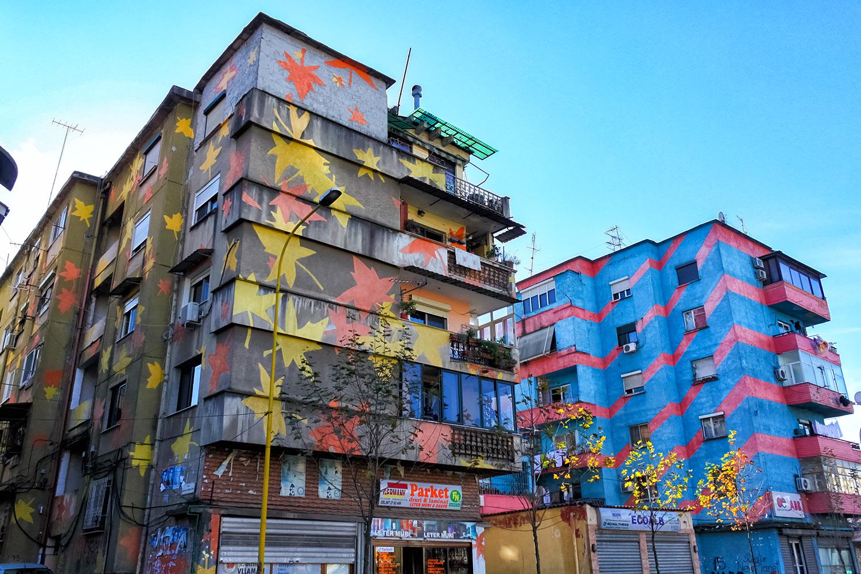 アルバニア・ティアラの繁華街