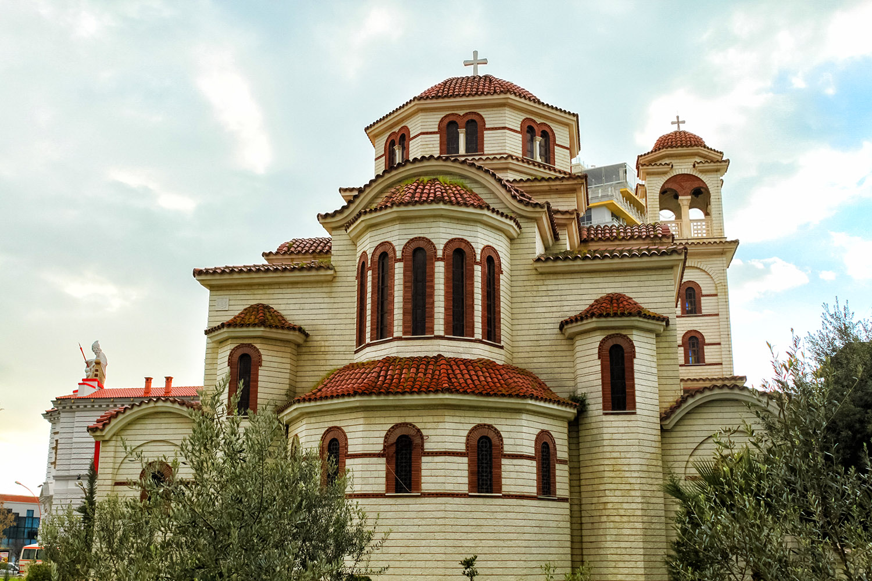 アルバニア、ティラナの教会