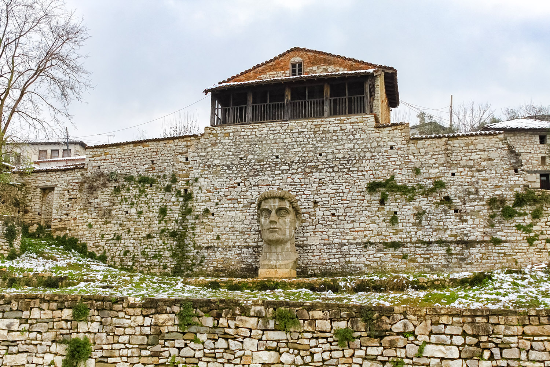 オスマントルコの遺産が残るベラトの街