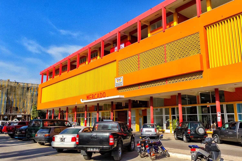 ルバンゴのスーパーマーケットでお買い物