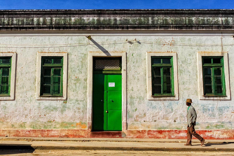 ルバンゴの街角で見かけた緑の扉