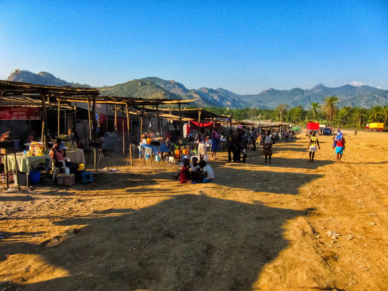 アンゴラのロビトにあるマーケット