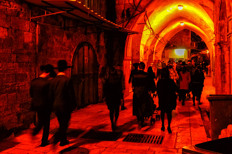 エルサレムの「嘆きの壁」への通路