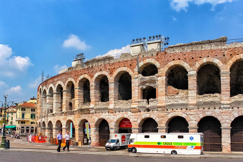 古代の闘技場がオペラの会場に!アレーナ・ディ・ヴェローナ