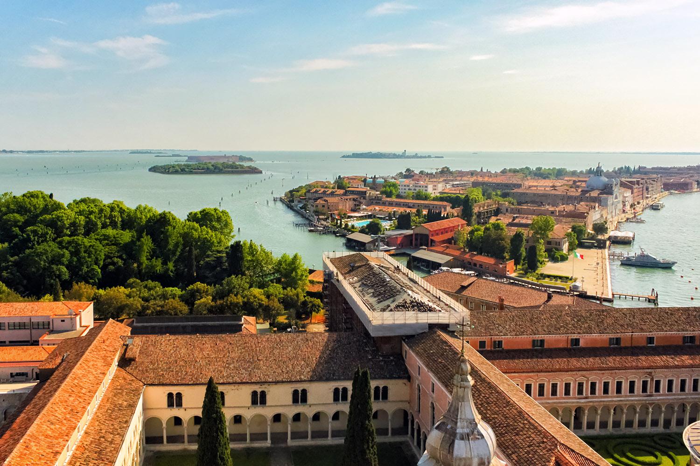 教会から眺めたベネチアの水景