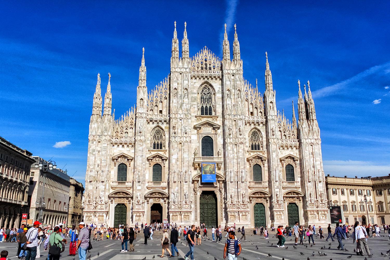 たくさんの尖塔が備わったミラノの大聖堂