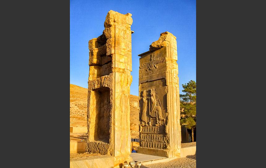イラン世界遺産・ペルセポリスのレリーフ