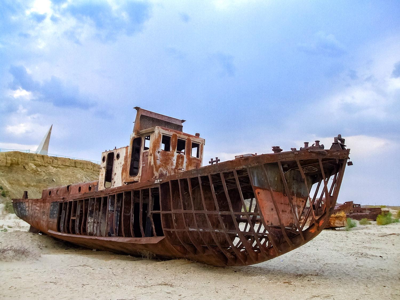 アラル海の廃船