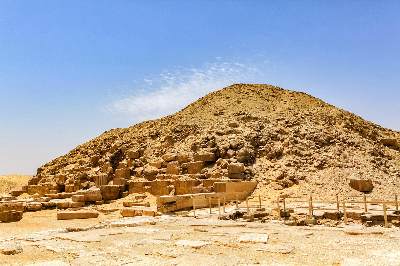 古代エジプトのファラオ、ウナス王のピラミッド