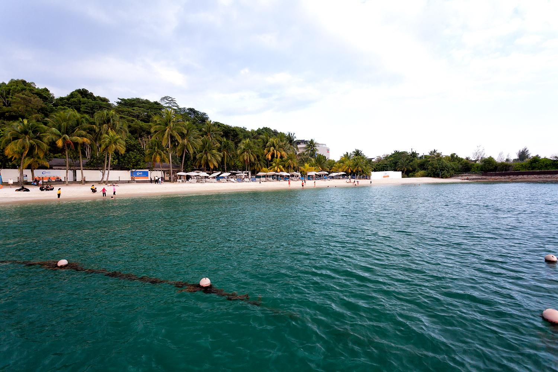 話題の観光地セントーサ島の海岸