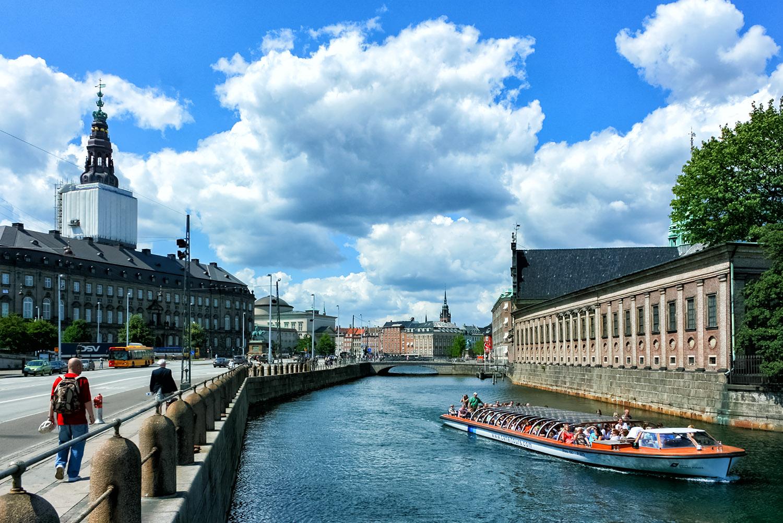 景観抜群の首都コペンハーゲンの運河