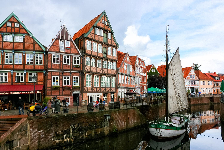 運河の街ドイツ・シュターデの水路
