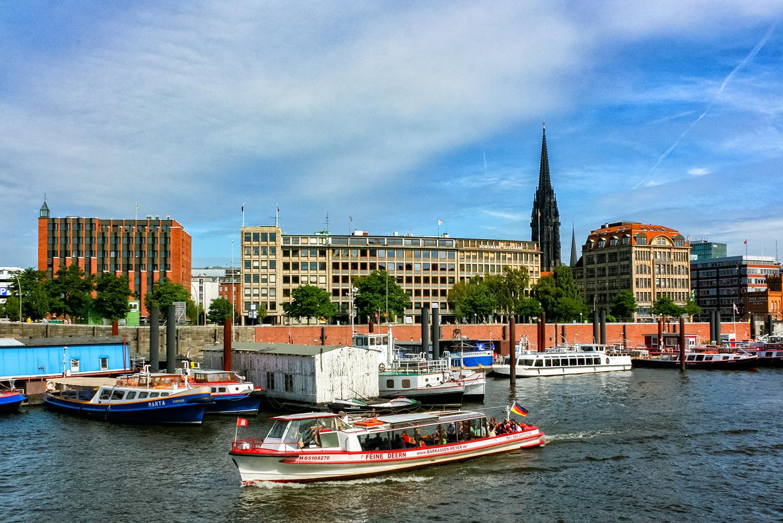 ハンブルク、運河の中心ビンネンハーフェン