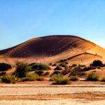 世界遺産ナミブ砂漠に出来た自然の砂山