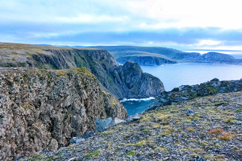 フィヨルドの崖