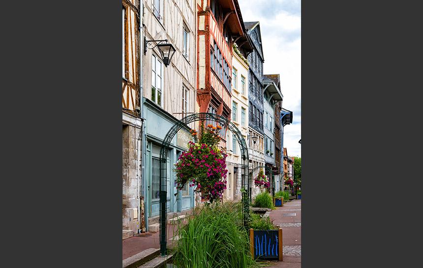 フランス、ルーアンのおしゃれな遊歩道