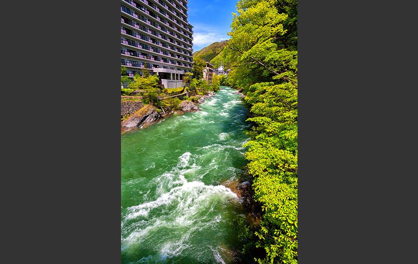 みなかみ温泉と利根川