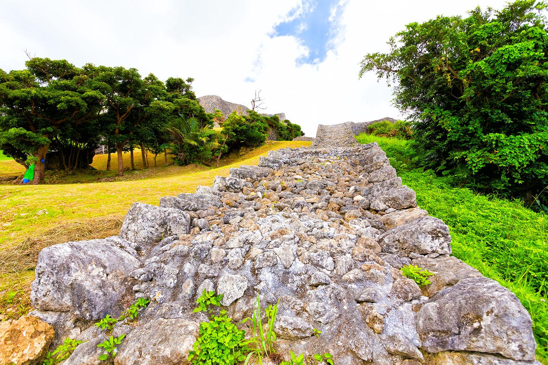 琉球、阿麻和利の城「勝連城」