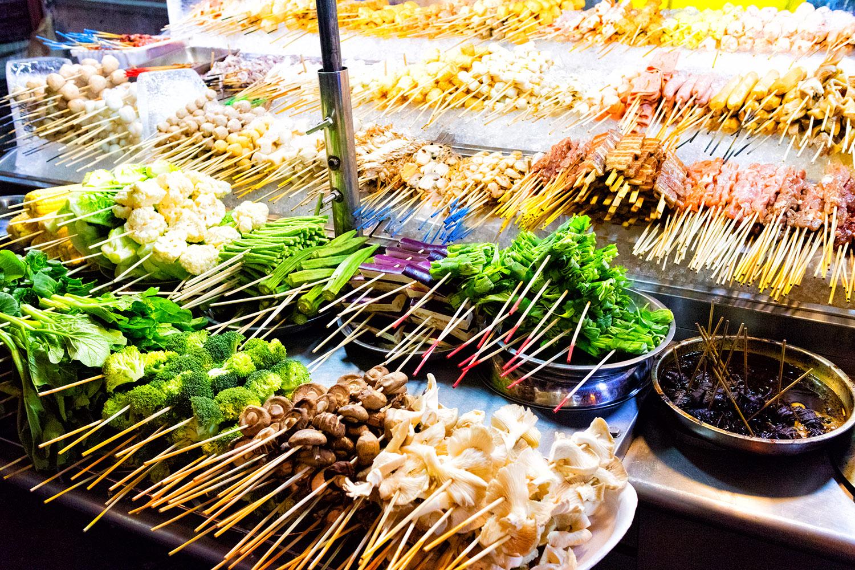 南国マレーシアのだいご味、串焼き サテの屋台