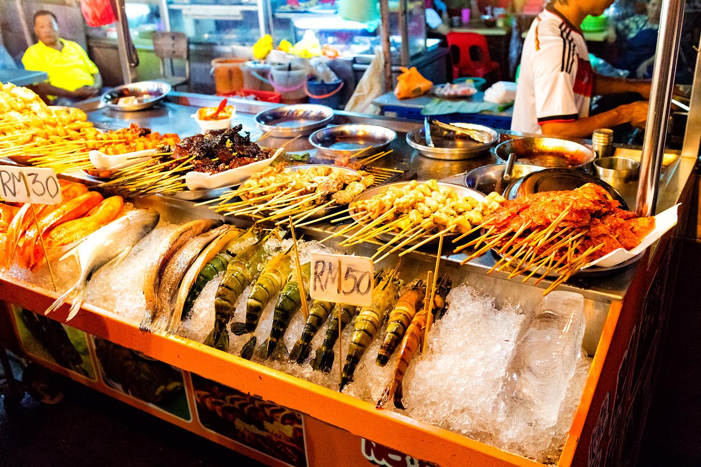 海鮮王国マレーシア、夜のサテ(串焼き)を満喫