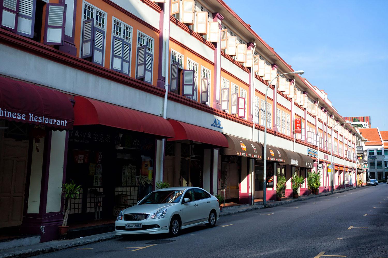 シンガポール・早朝のまだ開店前の中華街