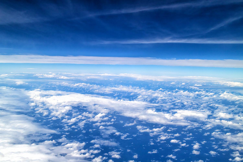 飛行機から見た雲の絨毯