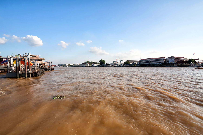 バンコクに流れる恵みの大河、チャオプラヤ川