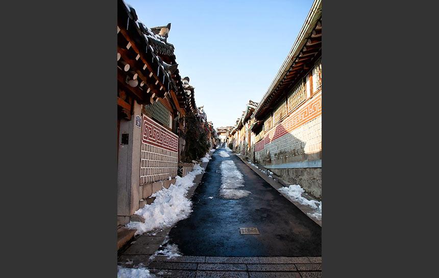 残雪の残るソウルの年の瀬、夕方の三清洞を歩いてみた