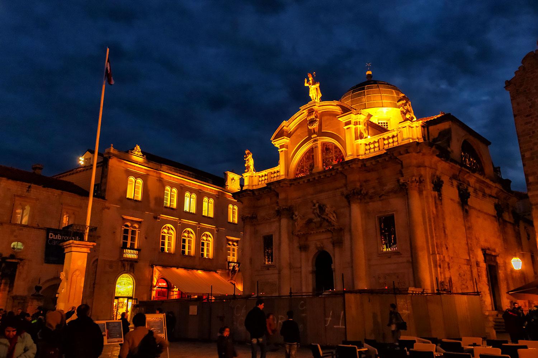 クロアチア・ドブロブニク旧市街の夜