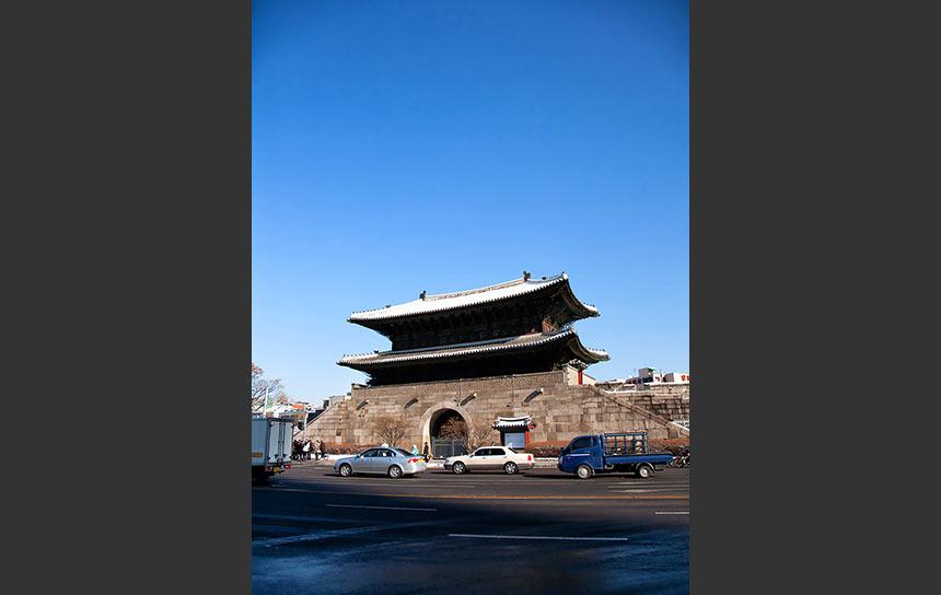 快晴!冬のソウル、東大門前