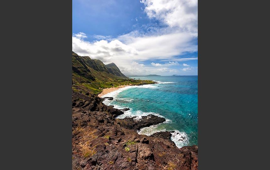 ハワイ・マカプウ岬の断崖とオアフ島東海岸の絶景