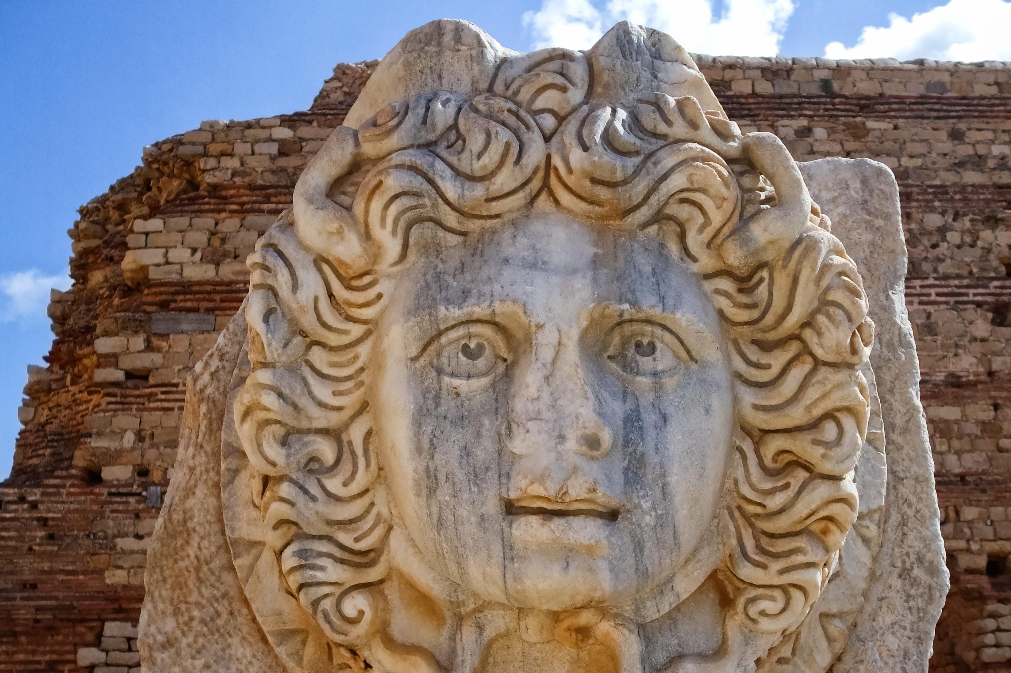 メドゥーサの像