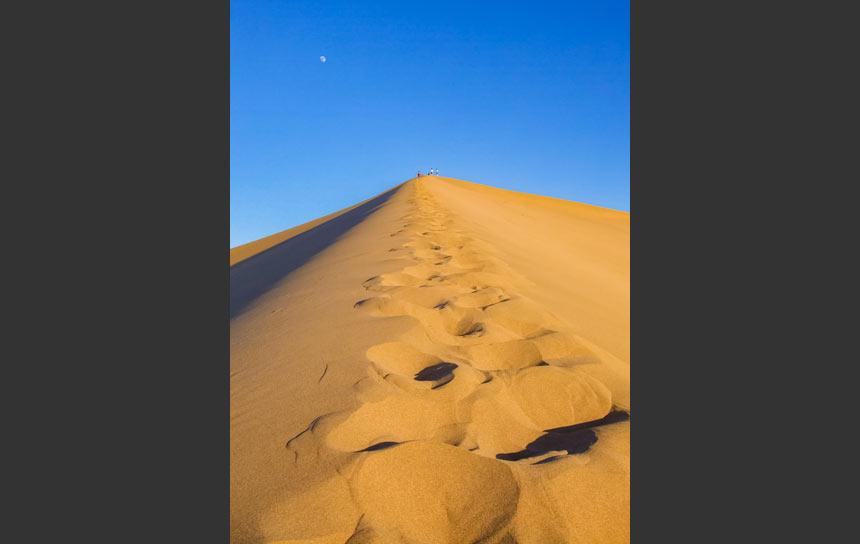 アジアにもある奇跡の砂山、敦煌の神沙山